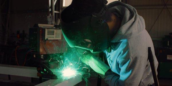 overseas applicants workers welder skilled visa migration worker